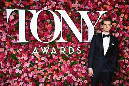 Los hombres más elegantes de los TONY Awards apostaron por la etiqueta y el ultravioleta
