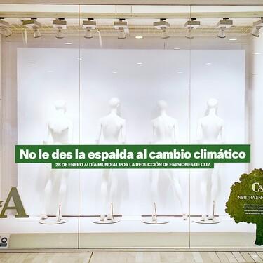 Si ves los escaparates de C&A vacíos no es porque cierren la tienda, es porque están protestando contra el cambio climático