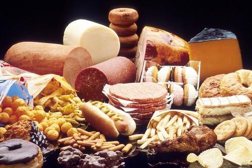 11 alimentos que deberías evitar para controlar tus niveles de colesterol