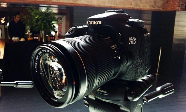 Canon EOS 70D, toma de contacto