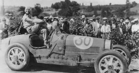 Cuando el volante era un arma contra la invisibilidad: el papel de las mujeres en el mundo del motor