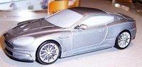 """El Aston Martin de James Bond """"espiado"""""""