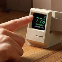 elago W3 Stand es el dock para Apple Watch que lo convierte en un adorable mini Macintosh 128K