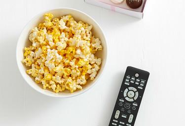 El 'binge-watching' está de moda y te puede arruinar la dieta