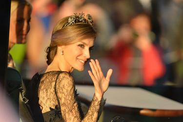 El vestido de Letizia que a todos nos hubiese gustado ver en la Boda Real de Suecia