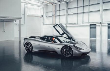 ¡Soberbio! El GMA T.50 es el heredero del McLaren F1: 672 CV, 986 kg y aerodinámica activa con un ventilador enorme