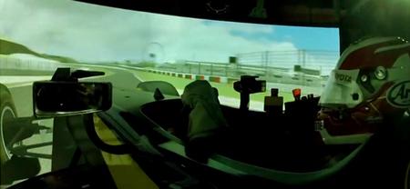 Misión: Imposible Dallara, Kazuki Nakajima prueba el SF14 en el simulador