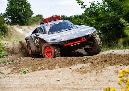 El Audi RS Q e-tron nace para demostrar el futuro de los vehículos eléctricos en el Rally Dakar