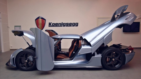 Vídeo: El Koenigsegg Regera viene con modo 'presumir', y no precisamente por sus 1.500 CV