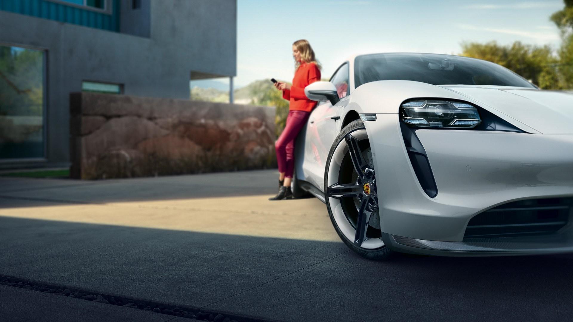 Foto de Porsche Taycan (9/29)