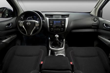 Nissan Np300 Frontier 3