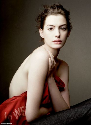 Y seguimos con famosas y publicidad: Anne Hathaway