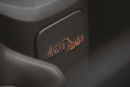 Aston Martin Vantage Roadster A3 2021 017