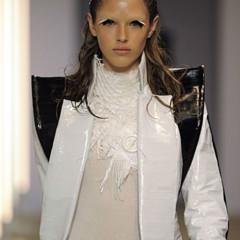 Foto 9 de 28 de la galería gareth-pugh-en-la-semana-de-la-moda-de-paris-primavera-verano-2009 en Trendencias