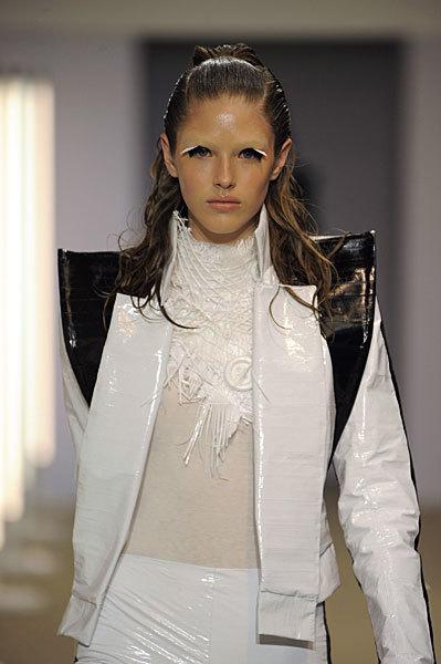 Foto de Gareth Pugh en la Semana de la Moda de París Primavera-Verano 2009 (9/28)