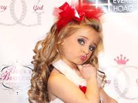 """""""Little Miss América 2012"""": multimillonaria con 6 años por su belleza"""
