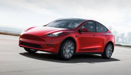 """El Autopilot de Tesla sí se puede """"engañar"""": funciona aunque nadie esté en el asiento del conductor, según prueba de Consumer Reports"""