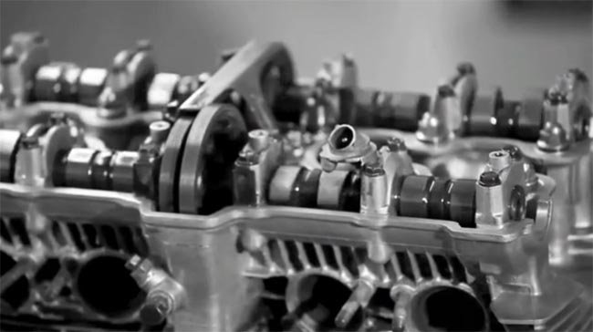 Motor DOHC en marcha