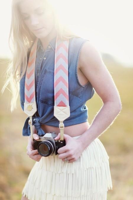 ¿Tu cámara de fotos es hipster, coqueta, pija o rollera? Búscale la correa que mejor le vaya