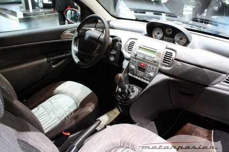 Lancia Ypsilon 2011 Versus