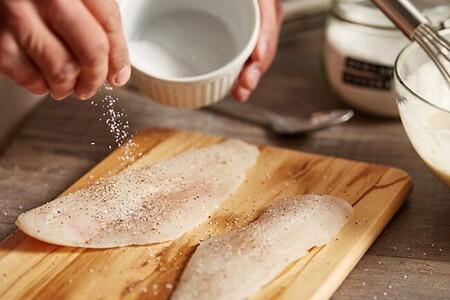 Cómo salvar una receta en la que se te pasó la sal o el picante