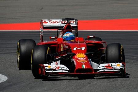 Fernando Alonso ya habría llamado a la puerta de Mercedes AMG