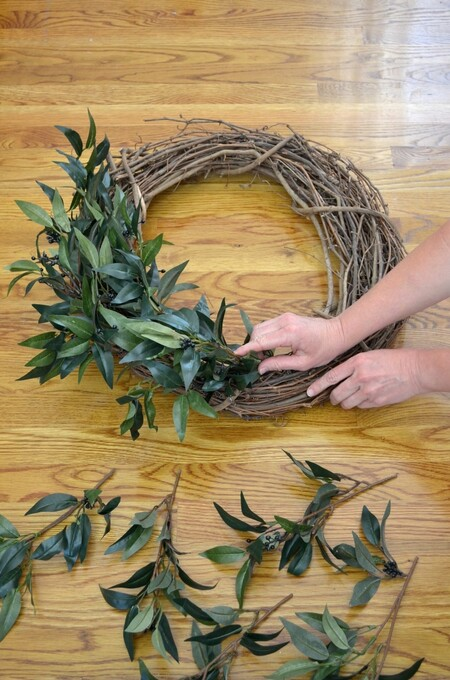Faux Greenery Farmhouse Wreath 1100x1661