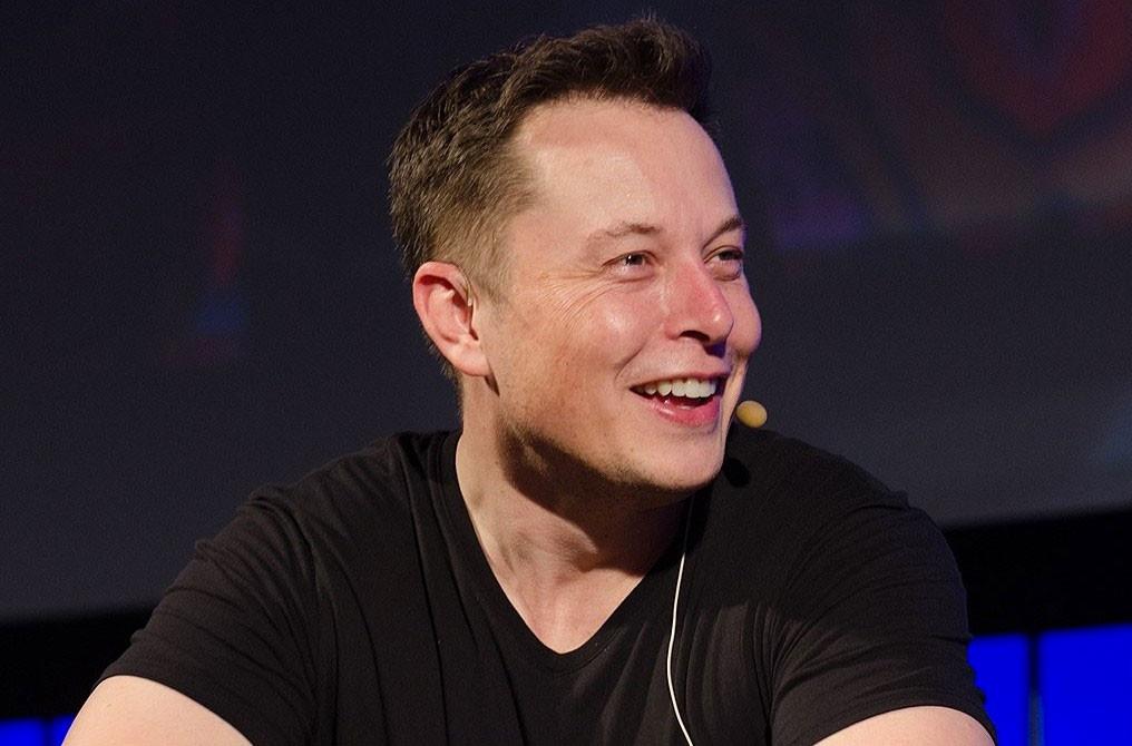 Elon 01
