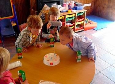 Chucherías y cumpleaños en el colegio