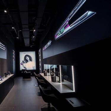Dyson abre su primera tienda física en España con estilistas y peluquería