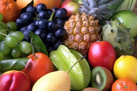 Qué frutas deben guardarse en el refrigerador y cuáles no