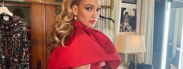 Jennifer Lopez se atreve con un vestido globo en la alfombra roja de los People's Choice Awards 2020