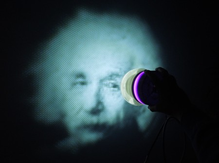Un proyector estereográfico de la imagen que quieras y que puedes imprimir en 3D