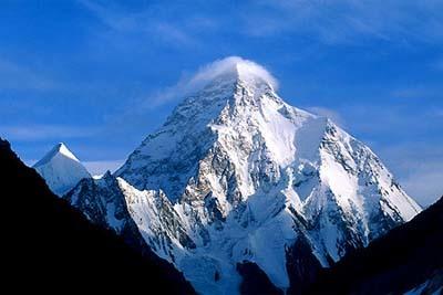 """De Pekin al K2 en moto, nuevo reto para """"Al filo de lo imposible"""""""