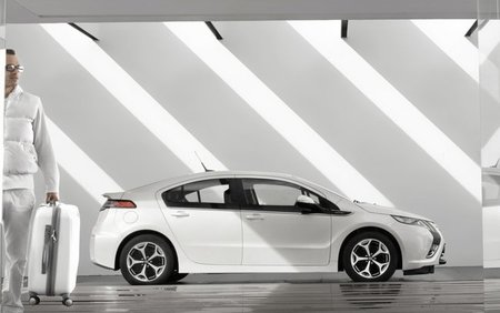 El Ampera/Volt, entre los finalistas a Car of the Year 2012