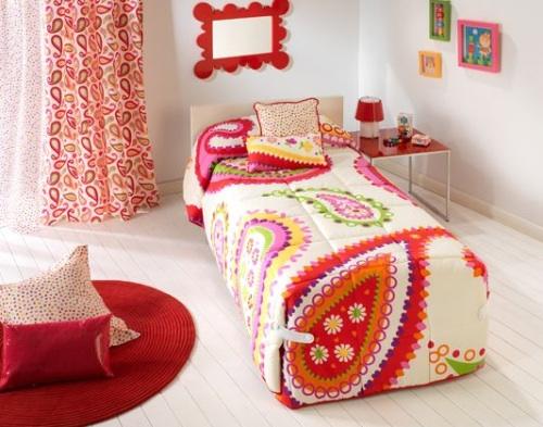 Textiles con color en dormitorios juveniles for Dormitorios juveniles sencillos