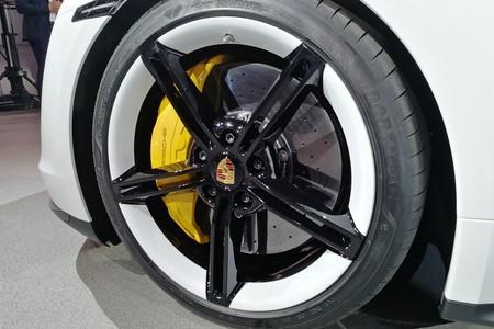 Porsche Taycan 2020 012