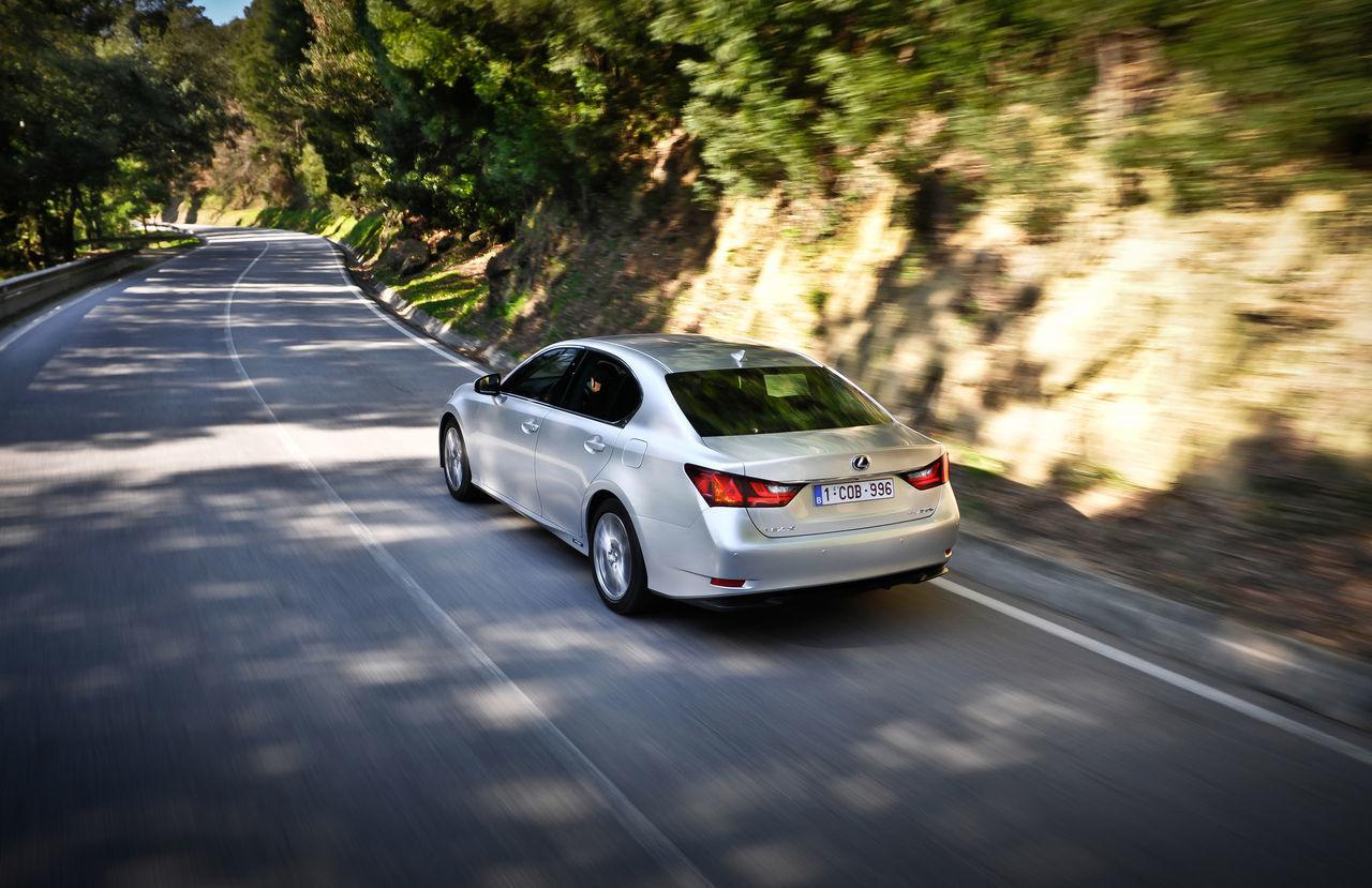 Foto de Lexus GS 450h (2012) (16/62)