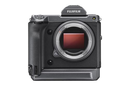 Fujifilm GFX 100: el nuevo buque insignia de la Serie X llega con 102 megapíxeles y un cuerpo contundente