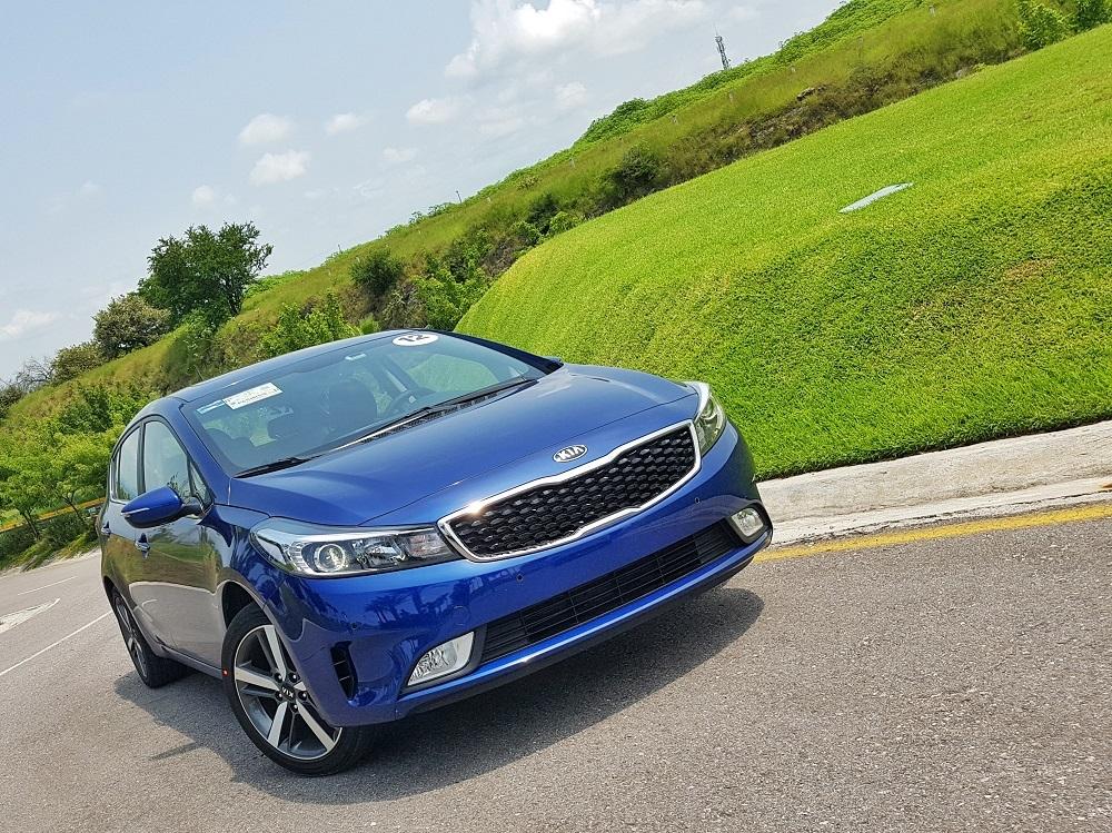 Foto de KIA Forte Hatchback (2/16)