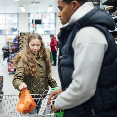 Reino Unido se enfrenta a un problema serio de suministro de alimentos (y hay empresas que podrían moverse a fabricar al continente)