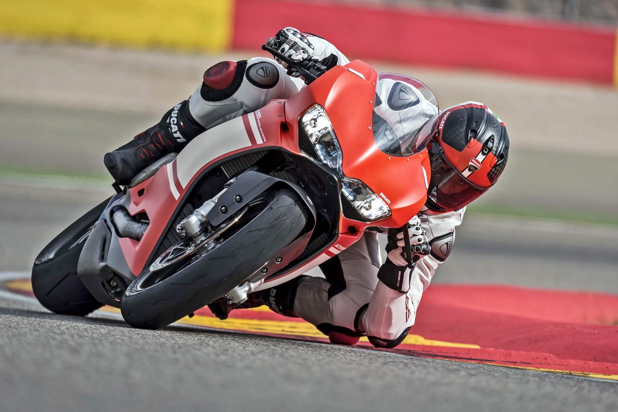 Foto de Ducati 1299 Superleggera (15/22)
