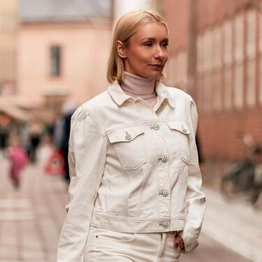 Siete chaquetas blancas informales para entretiempo que nos podrán ayudar a cerrar cualquier look durante el día