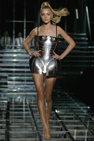 Dolce & Gabbana se metaliza para el verano