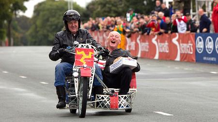Un side-car hecho de Meccano a la conquista del Tourist Trophy