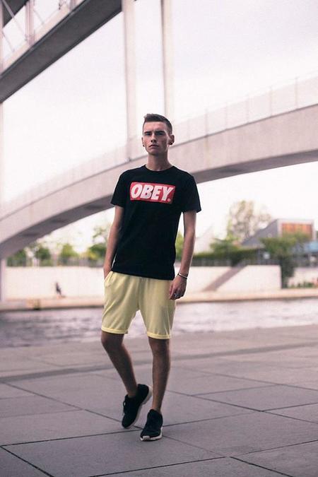 camiseta obey