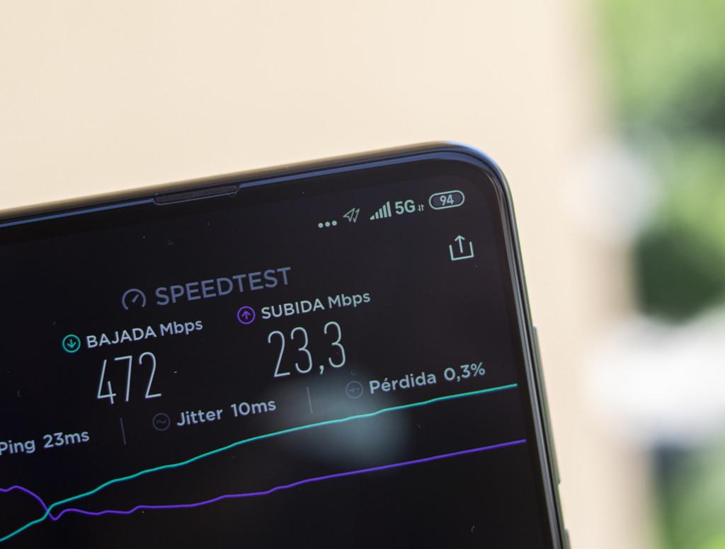 Comprar o no comprar un teléfono móvil 5G en 2020: la opinión de los expertos de Xataka