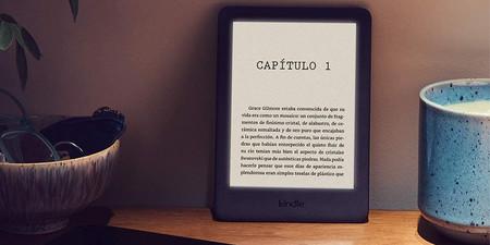 El Kindle más económico de Amazon ahora tiene luz y una rebaja que lo deja todavía más barato: 69,99 euros