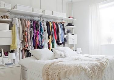 Una mala idea: el cabecero vestidor