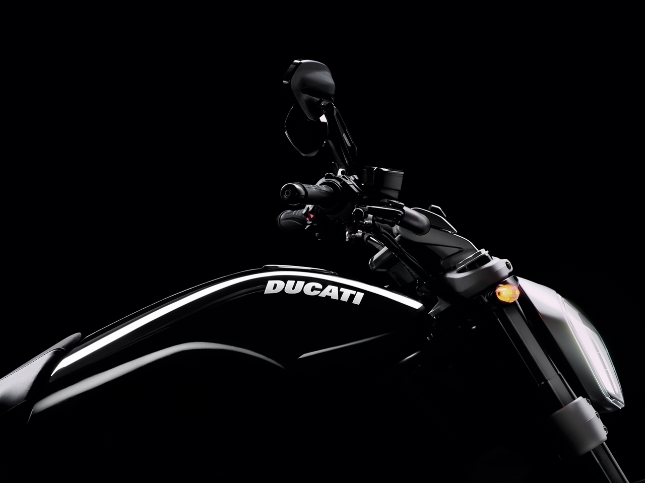 Foto de Ducati Diavel X (22/29)